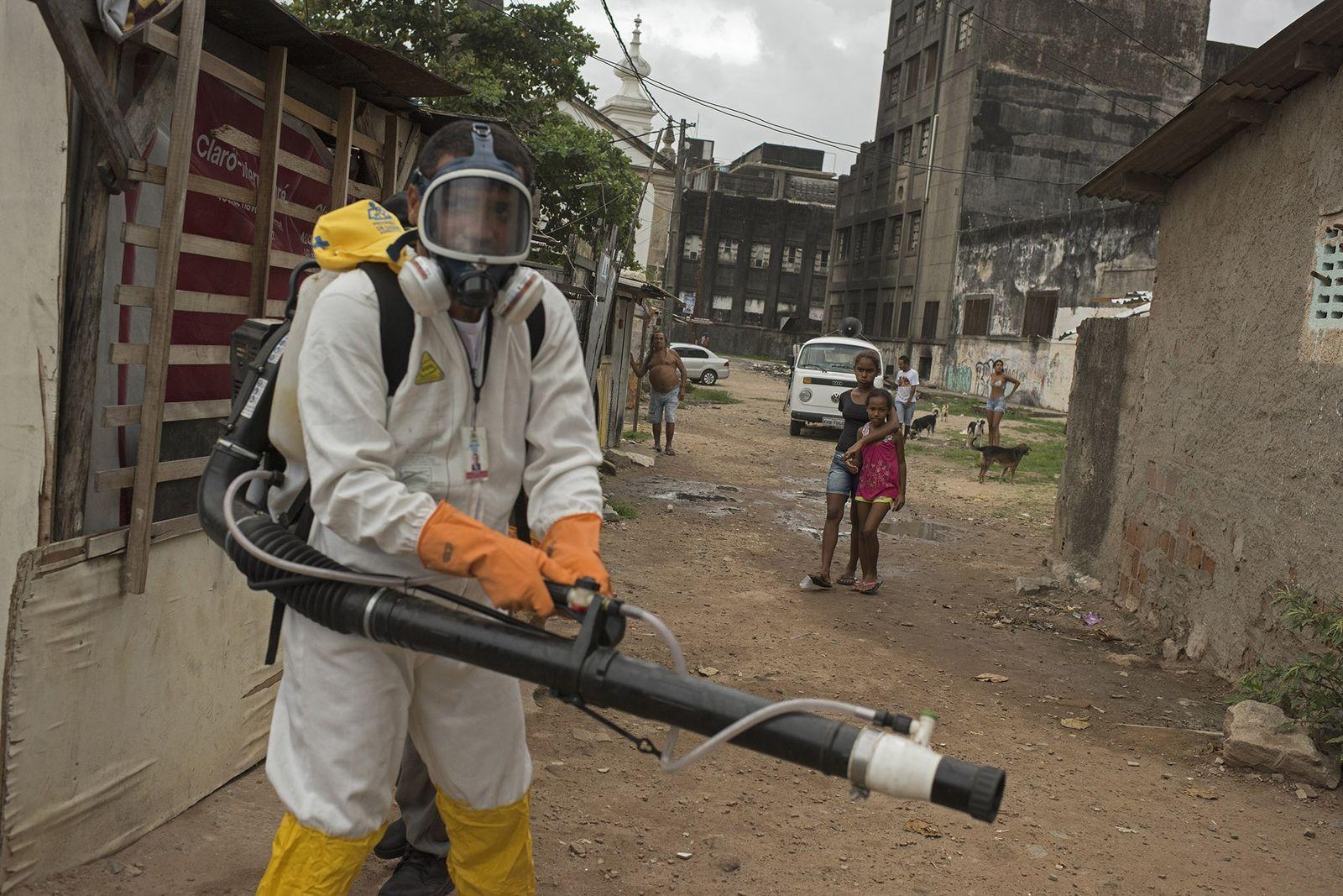 Zika-Bekämpfung in einem brasilianischen Favela